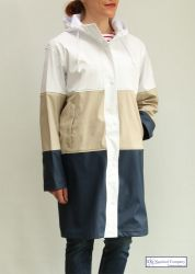 Women's Long Hooded Raincoat