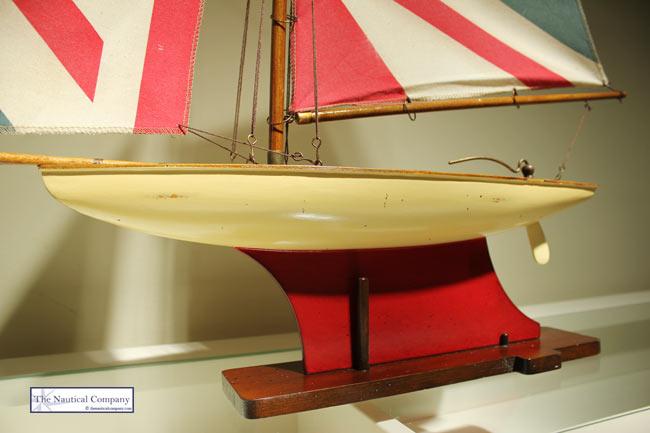 Art Décor: Union Jack Sailing Boat Model